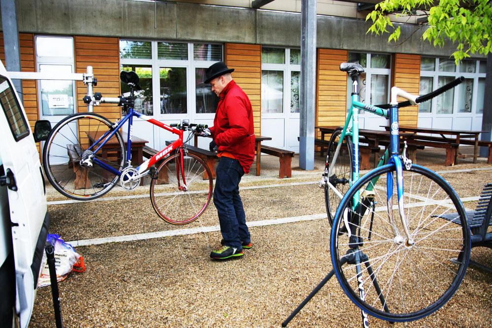 Réparateur de Vélo - © J.Masserann